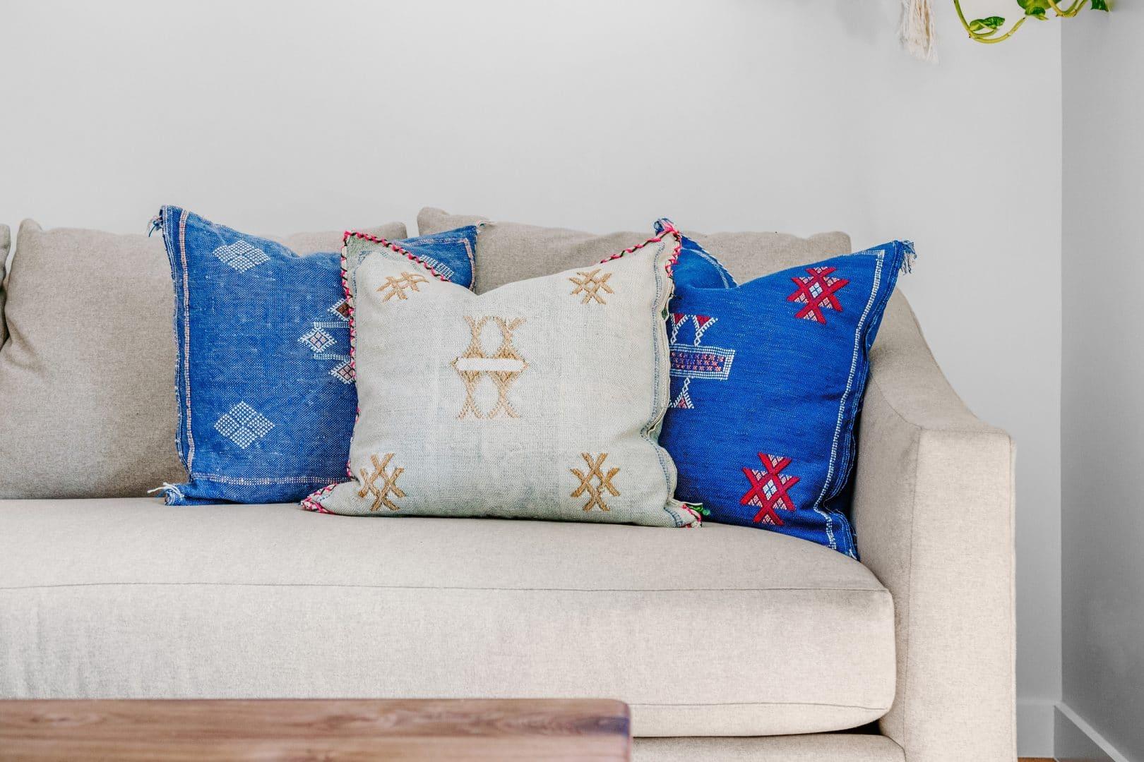 Teams-Kissen-Couch Hintergrund